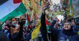 """Hombres y mujeres palestinas también expresaron su rechazo al foro de Baréin y al """"acuerdo del siglo"""" en Libia."""