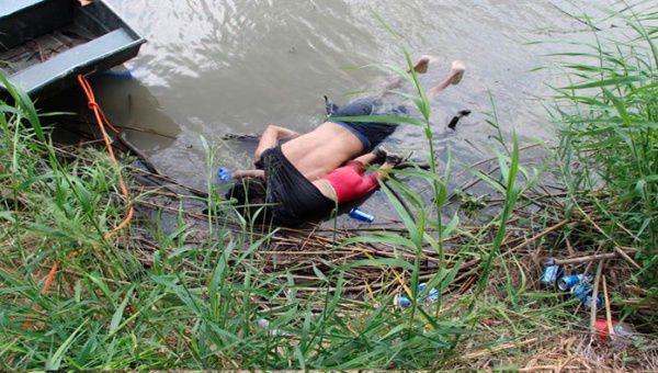 La foto de los cuerpos de los migrantes salvadoreños ha dado la vuelta al mundo como símbolo de la tragedia migratoria.