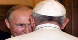 Francisco y Putin se reúnen en el Vaticano por tercera vez.