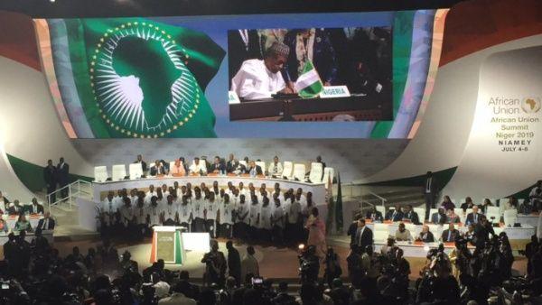 Líderes de más de 50 naciones de África firmaron un acuerdo de libre comercio continental.