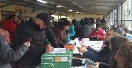 De acuerdo a datos del Colegio de Profesores de Chile, alrededor de 50.000 docentes participaron en la consulta.