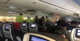 De acuerdo a un portavoz de Air Canada las víctimas sufrieron heridas en la cabeza y el cuello.