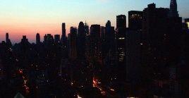 El apagón también afectó las pantallas gigantes de Times Square, sitio emblemático de la ciudad.