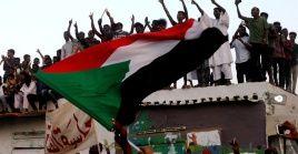 Junta militar y oposición firmaron el miércoles un histórico acuerdo político.