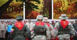 El presidente resaltó nuevamente la unión cívico-militar como instrumento para el mantenimiento de la paz en el país.