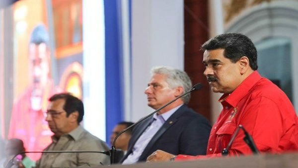 Presidentes de Venezuela y Cuba clausuran XXV Foro de Sao Paulo en Caracas