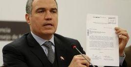 """El titular del Consejo de Ministros, Salvador del Solar, afirmó que Vizcarra """"ha planteado una salida seria que implica un gesto de desprendimiento""""."""