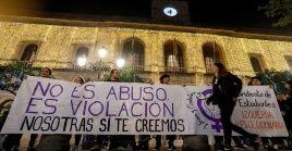 Activistas han salido a las calles para denunciar estos hechos y exigir a las autoridades justicia para las víctimas.