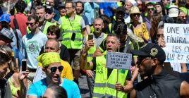 Los chalecos amarillos continúan exigiendo reformas al sistema fiscal para equiparar el nivel adquisitivo de los franceses.