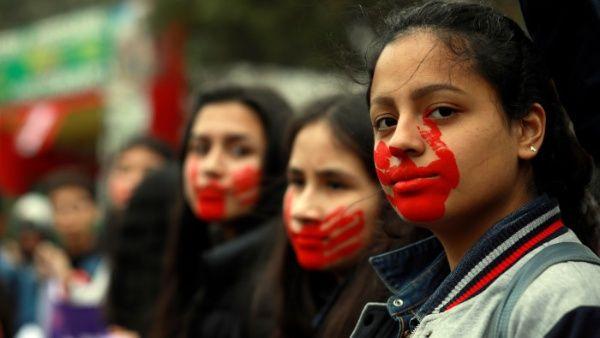 Resultado de imagen para Miles de mujeres peruanas exigen fin de la violencia de género