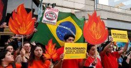 Los manifestantes reiteran que los incendios en la Amazonía brasileña no es un problema local, sino uno que tiene repercusiones globales.