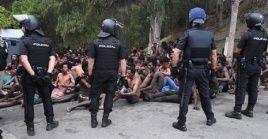 El cruce de la frontera se da a un año de que 116 migrantes llegaran a suelo español por esa misma zona.