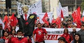 Los movimientos sociales de Chile exigen al Gobierno garantías para los derechos fundamentales de la población.