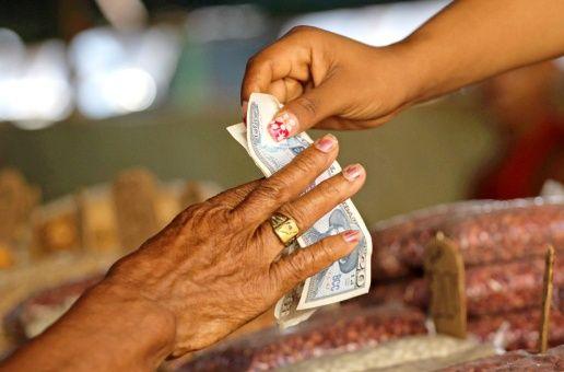 Según el secretario del Tesoro estadounidense, Steven Mnuchin, la medida es en represalia por el apoyo de la isla al Gobierno del presidente Nicolás Maduro.