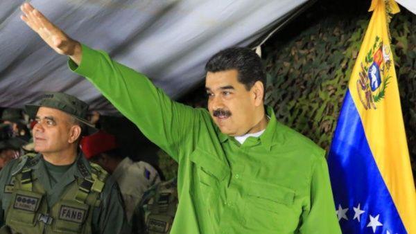 Pdte. Maduro revisa operación de unidades militares en la frontera