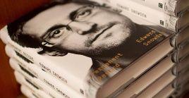 La demanda pretende confiscar los ingresos de la venta del libro.