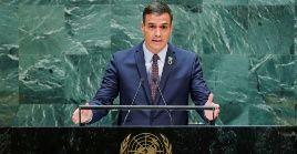 Sánchez criticó a los que se encierran en discursos proteccionistas pues afirmó que los cambios no van a respetar fronteras ni muros.