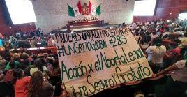 Tras intensos debates, los parlamentarios del Congreso de la regiónvotaron 24 a favor y 12 en contra, lo cual deja a Oaxacacomo el segundo estado en despenalizar el aborto