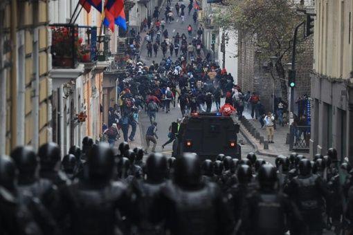Los manifestantes aseguran que las medidas económicas del Gobierno ecuatoriano afectan a los más vulnerables.