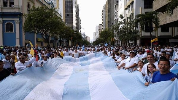 La dirigente social y defensora de los derechos humanos argentina apuntó que el pueblo de Ecuador no debe ceder en su lucha y mantenerse en protesta pacífica.