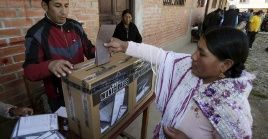 El jefe de Estado lidera las encuestas de intención de votos para las elecciones del próximo 20 de octubre.