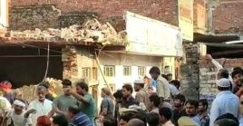 Un derrumbe de una casa provocó la muerte de 10 personas al norte de India este lunes.