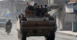 Tropas gubernamentales sirias avanzan hacia la frontera de Turquía.