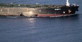 Elbuque cisterna Sabitifue atacado en el este del mar Rojo cuando se encontraba a unos 95 kilómetros del puerto sauditade Yida.