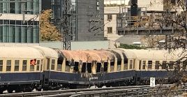 A consecuencia del incendio el tráfico de trenes entre Friedrichstrasse y el distrito Tiergarten está detenido temporalmente.