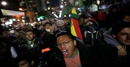 Simpatizantes de la oposición desconocen resultados electorales en Bolivia.