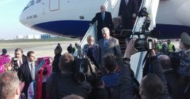 El presidente cubano y su delegación arriban al país luego de impulsar relaciones con Irlanda.