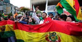 Opositores a Evo Morales desconocen los resultados electores del pasado domingo.