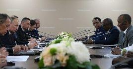 La Primera Cumbre de Rusia y África reúne representantes de 43 naciones de ese continente.