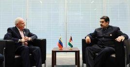 El presidente venezolano aprovechó la cumbre del Mnoal en Azerbaiyán para mantener diversas reuniones bilaterales.