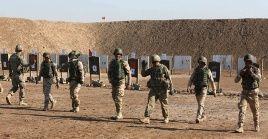De acuerdo a informes divulgados porautoridades estadounidenses, a parte de los dos obuses, cayó un terceroen las inmediaciones de la base de Taji.