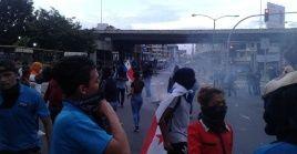Panameños son reprimidos durante manifestación contra la reforma constitucional.