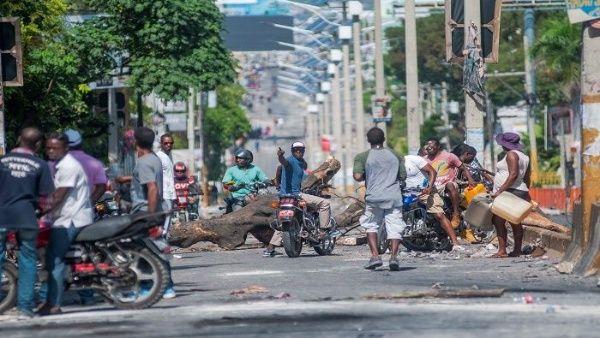La oposición alegó que el poder es del pueblo y que los ciudadanos son los abanderados de este llamado asalto democrático contra Moïse.