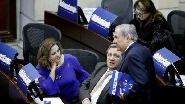 El ministro de Defensa de Colombia enfrenta por segunda ocasión una moción de censura en el Senado.