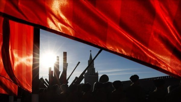 Un 7 de noviembre los bolcheviques tomaron el control de Petrogrado y del Palacio de Invierno sin derramar sangre