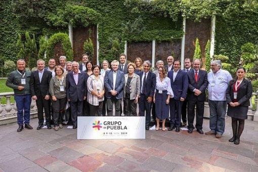 Los firmantes del texto manifestaron su solidaridad con el presidente boliviano, Evo Morales, su vicepresidente Álvaro García Linera.