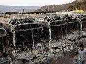 Autobuses quemados durante una protesta en La Paz, después de que el presidente de Bolivia, Evo Morales, anunciara su renuncia.