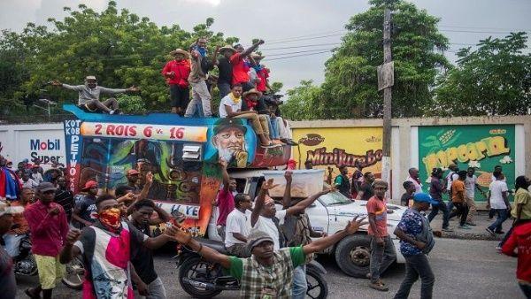 Las fuerzas de seguridad del Estado activaron sus armas reglamentarias contra el pueblo en la protesta pacífica del pasado lunes.