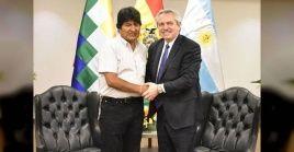 Evo Morales pisó tierra argentinaluego de pasar casi un mes en México, Nación que dio asilo político en el momento en que gobierno de facto empezaba a perseguir dirigentes del MAS.