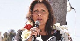 López respondió a la prensa que ha asegurado que tiene una causa pendiente en Bolivia por un caso de corrupción, afirmando que no había sido requerida.
