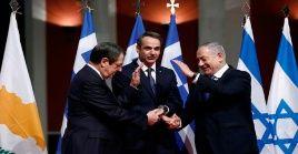 Los máximos dirigentes de Grecia, Israel y Chipre aprobaron la construcción del gasoducto.