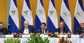 Cerezo asistió este lunes a un encuentro en la cancillería de Nicaragua, en el que el canciller de este país, Denis Moncada presentó ante el cuerpo diplomático, organismos y agencias de cooperación acreditadosel Plan del Gobierno