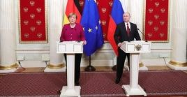 Putin y Merkel examinaron el tránsito del gas ruso a través de Ucrania.