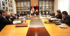 Los siete magistrados del Tribunal Constitucional coincidieron en que las elecciones deben realizarse el próximo 26 de enero.