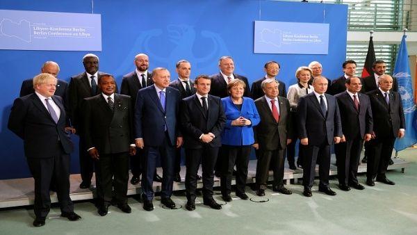 Líderes de los países involucrados en el conflicto libio se reúnen este domingo en una conferencia con el objetivo de intentar construir un proceso de paz.