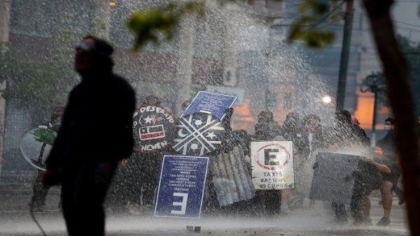 Resultado de imagen para Más de 22.000 personas han sido detenidas desde el inicio de las protestas en Chile